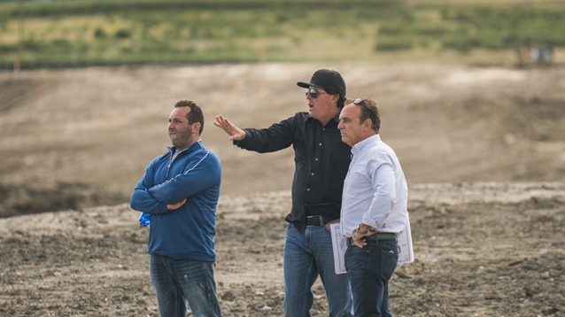 Mickelson visits site of new Mickelson National Golf Club