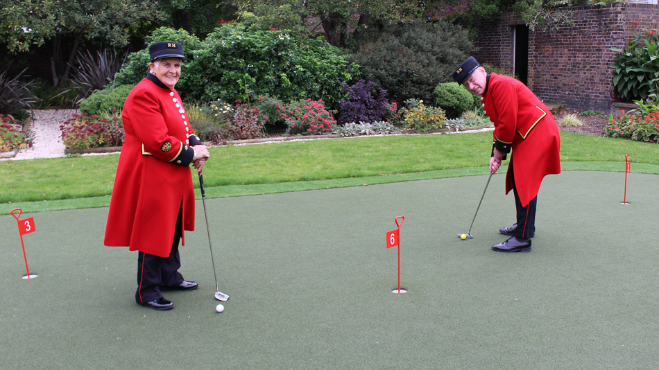 Huxley Golf installs all-weather putting green at The Royal Hospital Chelsea