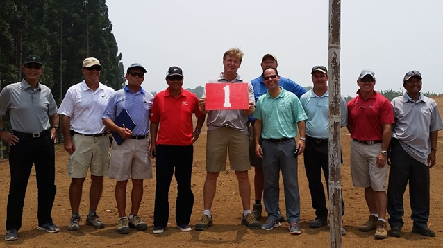 Ernie Els heads to Lido Lakes to see progress of renovation project