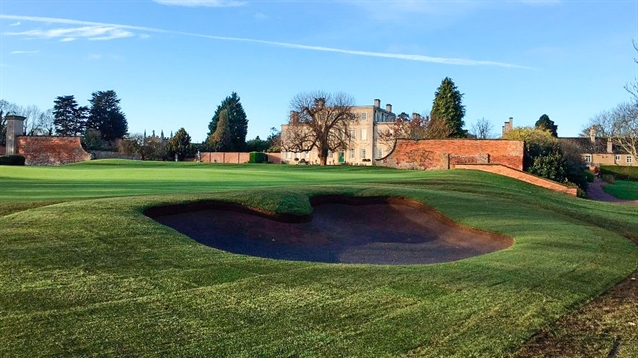 Swan Golf Designs leads bunker renovation at Wellingborough GC