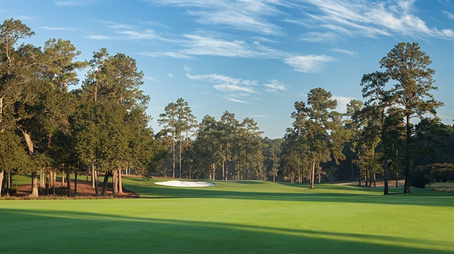 Tiger Woods opens new short course facility at Bluejack National