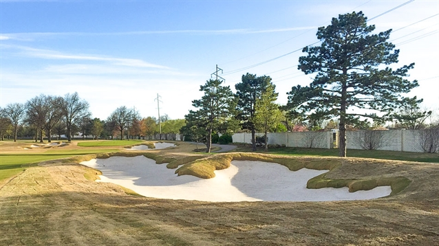 Tripp Davis completes bunker renovation work at Wichita CC