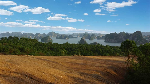 Schmidt-Curley creating new course overlooking Vietnam's Ha Long Bay