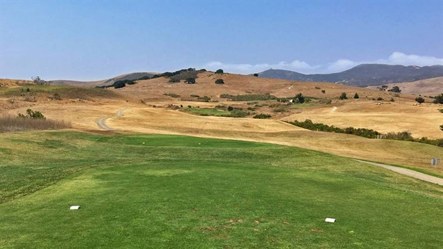 Staples to work on solution for water-deprived California golf course