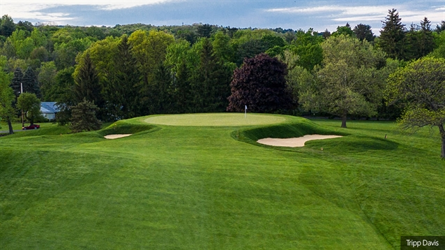 Tripp Davis restores Emmet bunker style at Powelton