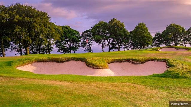 Swan restores 1920s bunker style at Huddersfield GC