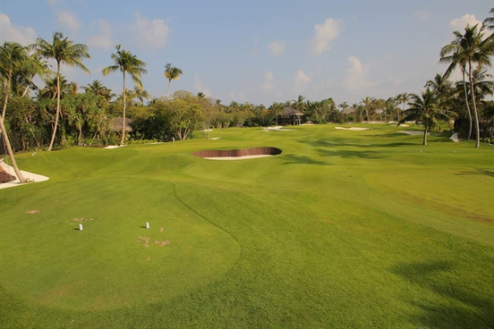 Private Maldives island opens 'world's most exclusive' golf academy