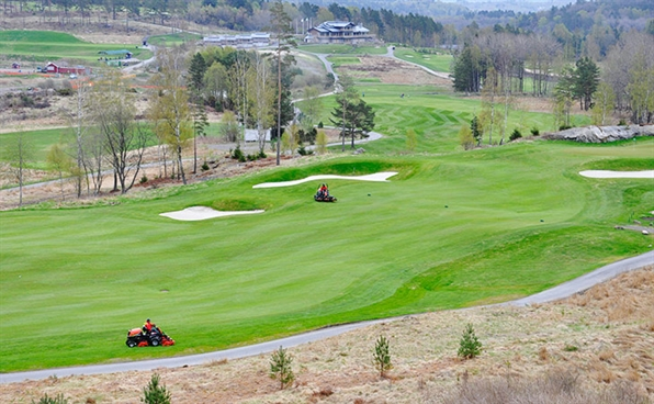 Hills Club uses Ransomes Jacobsen equipment to prepare for busy summer