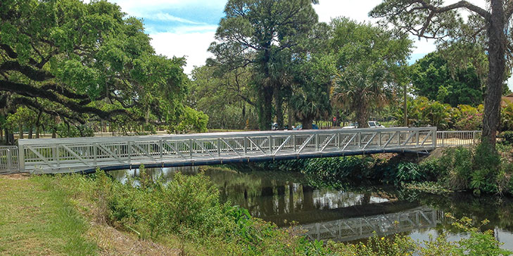 Vero Beach Country Club upgrades bridge structure on course