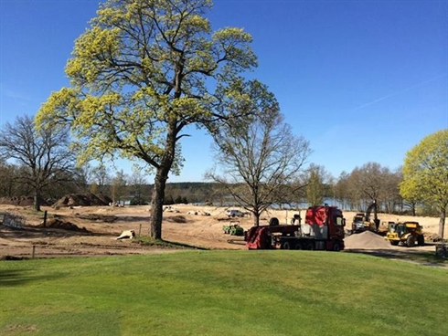 Architect Lundin builds lakeside par three course for Swedish club