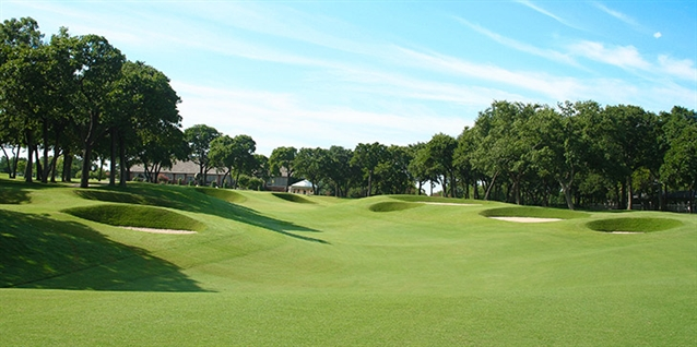 Tripp Davis completes renovation of Oak Tree National course