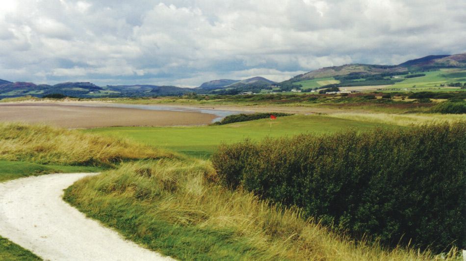 Southerness's twelfth hole has the beach directly behind the green