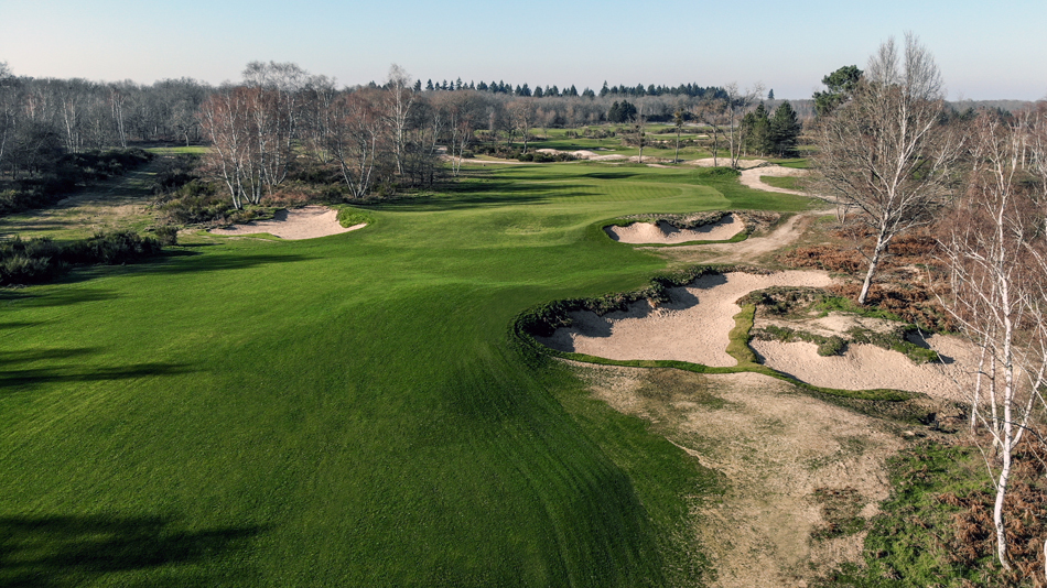 The par-five sixth hole on the New course at Les Bordes